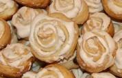 На сладкое — розочки, рецепт вкусных булочек