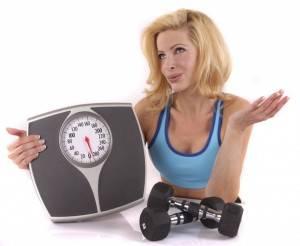 девушка весы и гантели фото