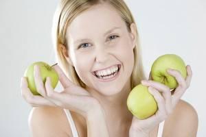 девушка и яблоки фото